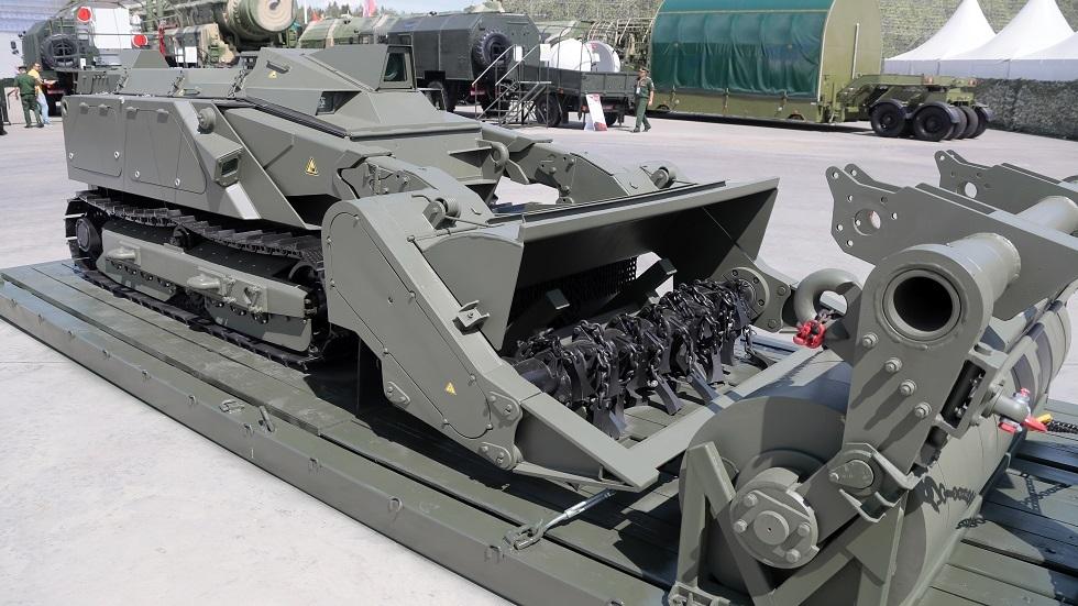الجيش الروسي يتزود بمنظومات روبوتية مطورة مضادة للألغام