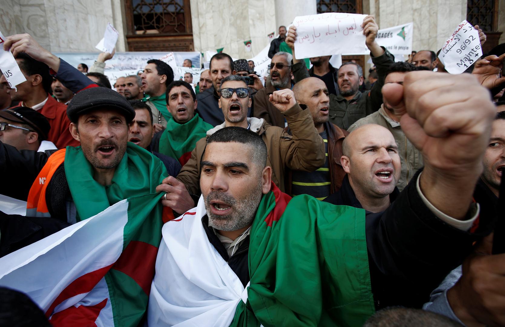 قناة فرنسية تثير غضب الجزائريين: الحراك الشعبي في الجزائر