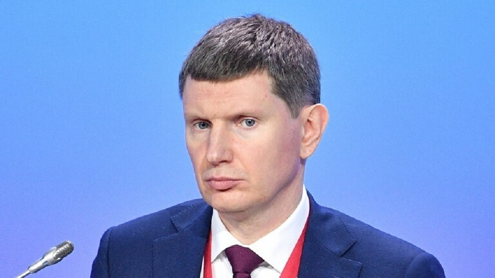 وزير: تكلفة دعم اقتصاد روسيا الإجمالية بلغت 3.3 تريليون روبل