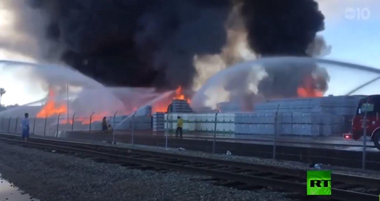 حريق ضخم يدمر مستودعات