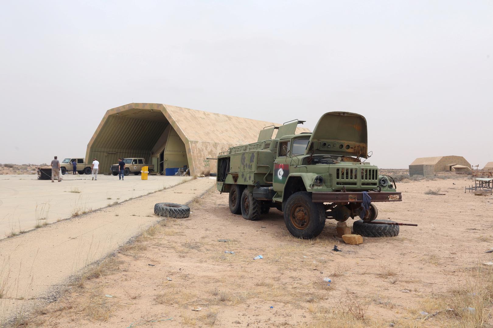 تركيا مدت جسرا.. شاحنات مجنحة أوصلت شحنات سرية إلى ليبيا -