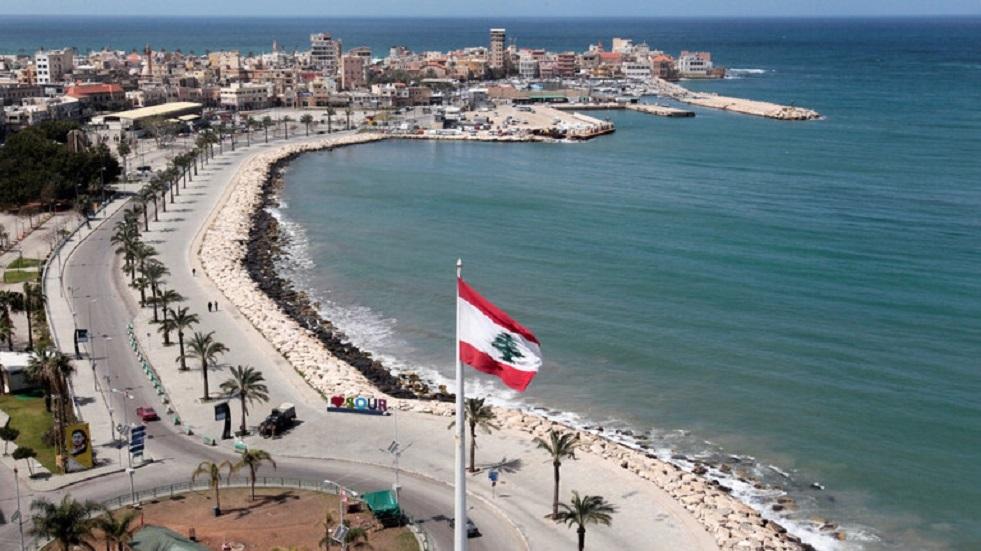 الجيش اللبناني يزيل أنابيب لتهريب المازوت عند الحدود مع سوريا