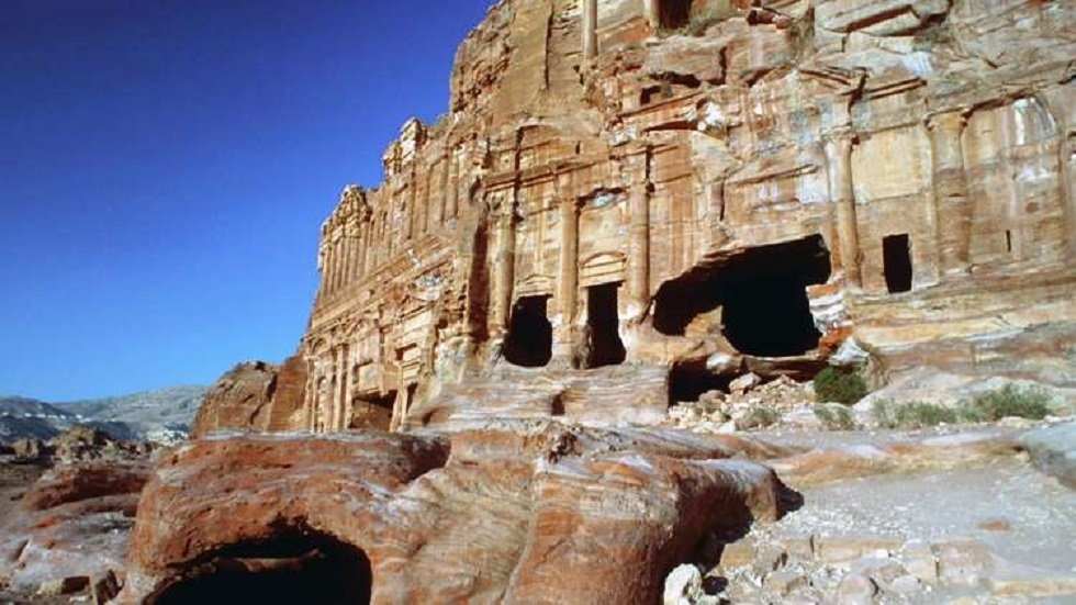 الأردن: قرارات مرتقبة لاستئناف السياحة الداخلية -