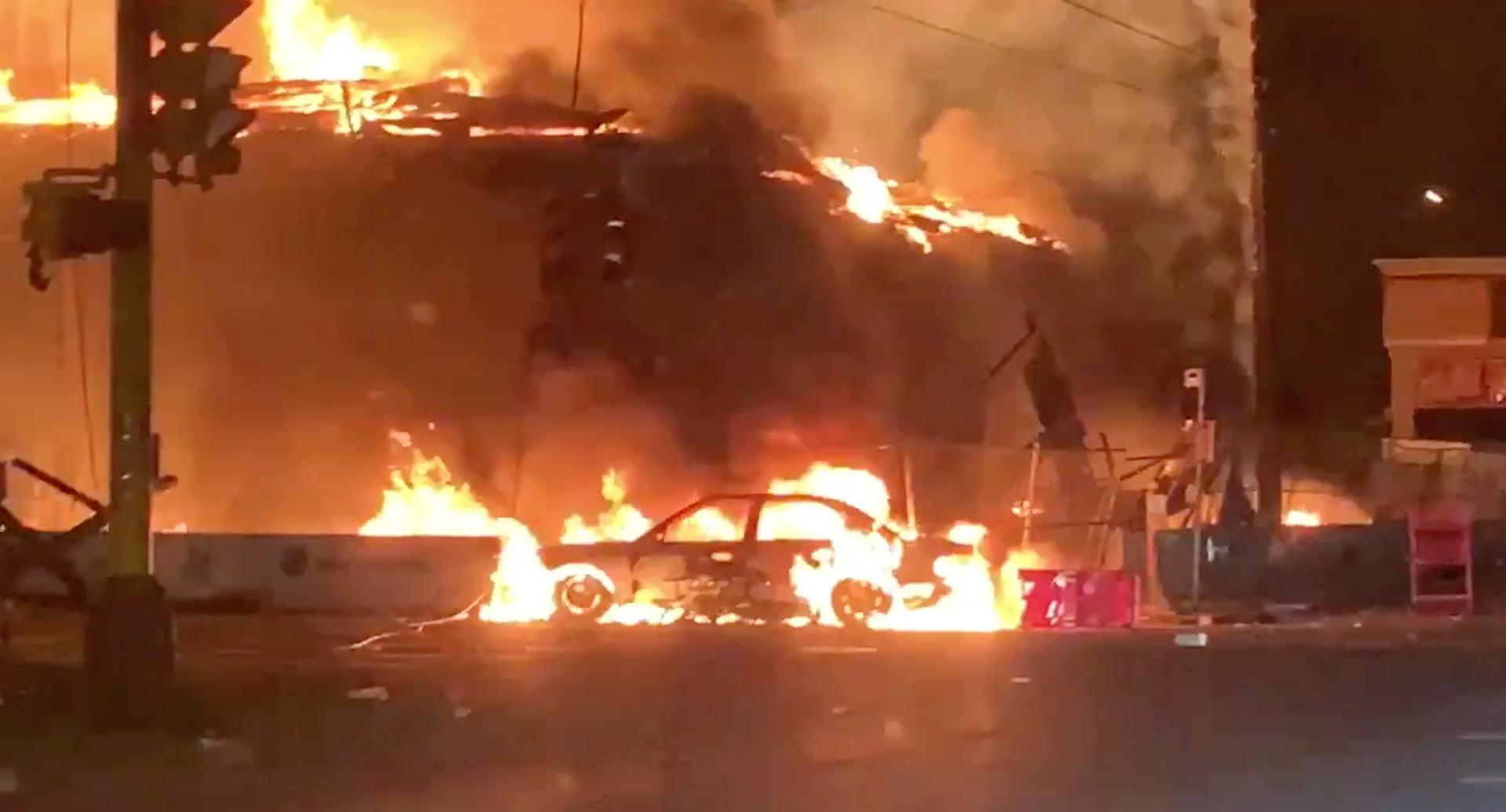 سلطات مدينة منيابوليس الأمريكية تطلب تعزيزات أمنية في ظل تصاعد الاحتجاجات