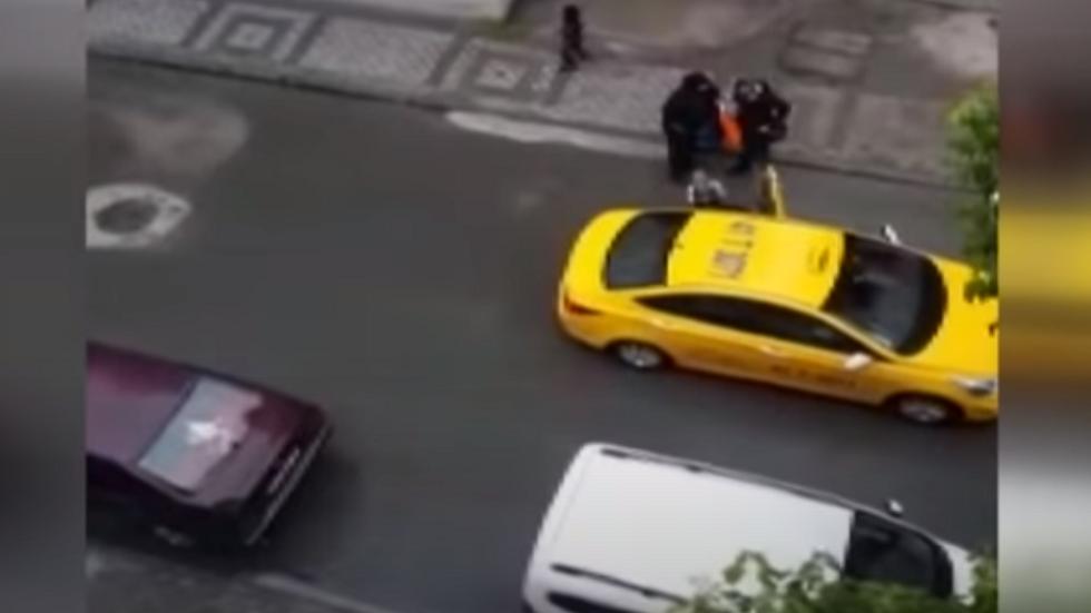 تركيا.. محاكمة سائق تاكسي طرد امرأة سورية حامل من سيارته وتركها تلد في الشارع (فيديو)