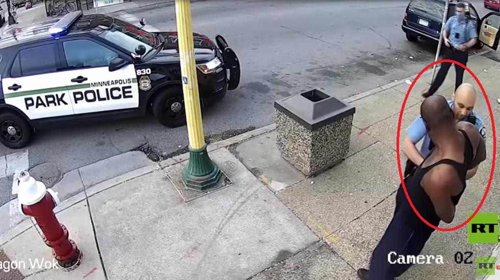 لاعبة تنس تعليقا على مقتل رجل أسود على يد الشرطة الأمريكية: هل أنا التالية؟ (فيديو)