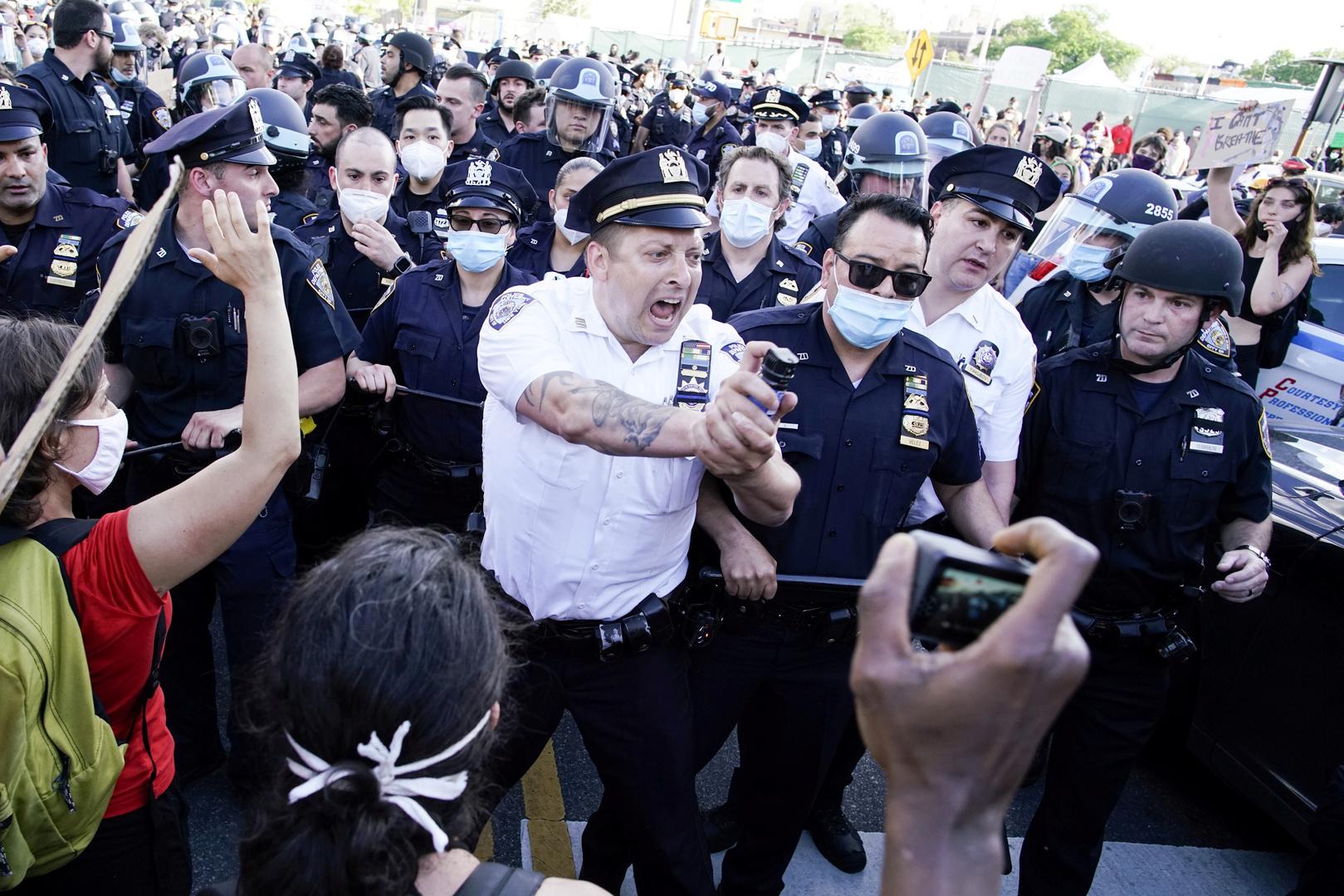 عودة الاحتجاجات والاضطرابات إلى الولايات المتحدة رغم تهديد ترامب باستخدام القوة العسكرية (صور)
