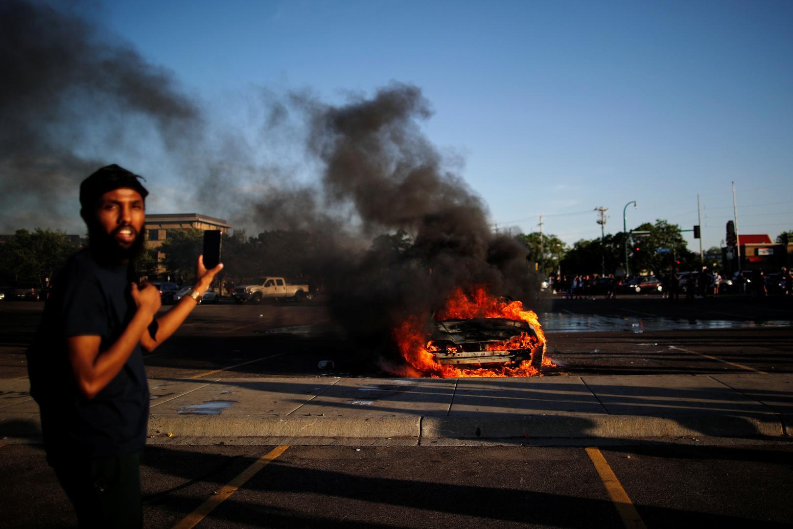 سقوط 3 قتلى على الأقل بالرصاص خلال الاحتجاجات في مدينة إنديانابوليس الأمريكية