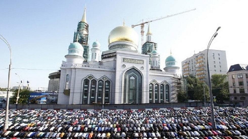 مسلمو موسكو يقدمون مساعدات لعائلات محتاجة في لبنان واليمن وفلسطين