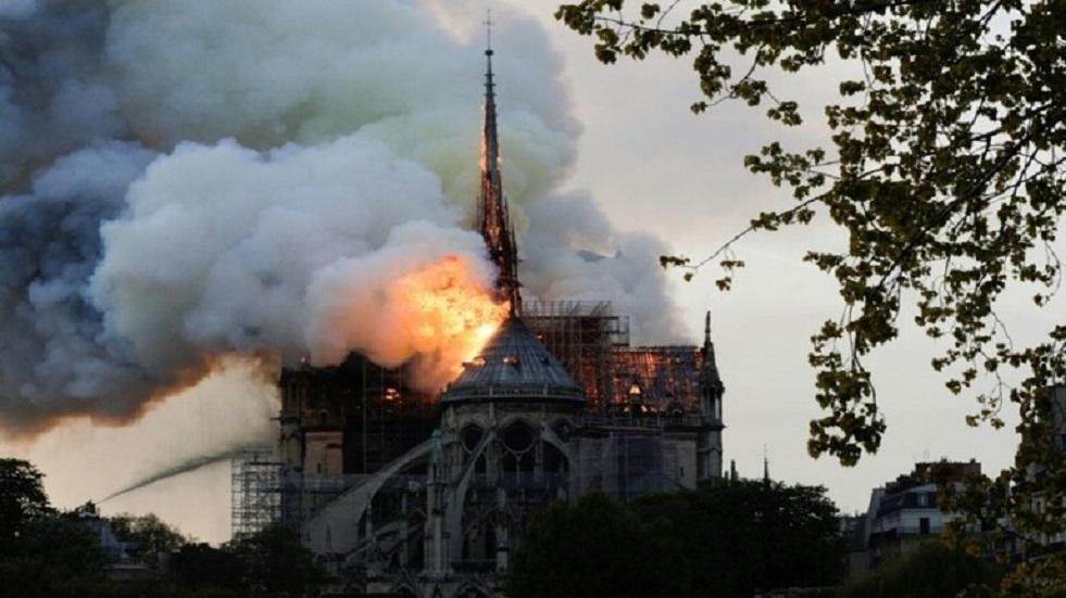 من جديد فتح الساحة أمام كاتدرائية نوتردام في باريس للجمهور بعد أكثر من عام على الحريق