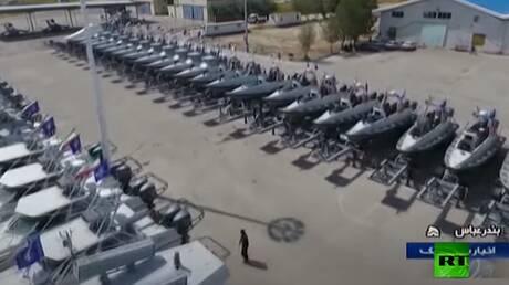 الحرس الثوري الإيراني يلحق 112 زورقا حربيا ببحريته في الخليج