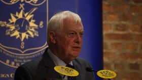 آخر حاكم بريطاني لهونغ كونغ يطالب لندن بالتدخل والدفاع عن المنطقة من مخططات الصين