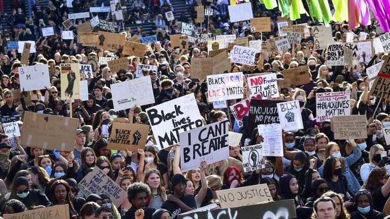 مظاهرة تضامنا مع جورج فلويد في ستوكهولم