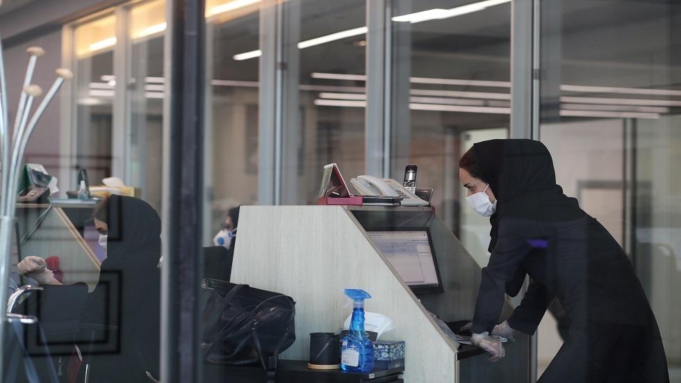 إيران تسجل أعلى حصيلة يومية بإصابات كورونا منذ شهرين