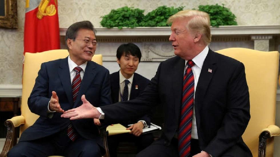 الرئيسان الكوري الجنوبي مون جيه إن والأمريكي دونالد ترامب