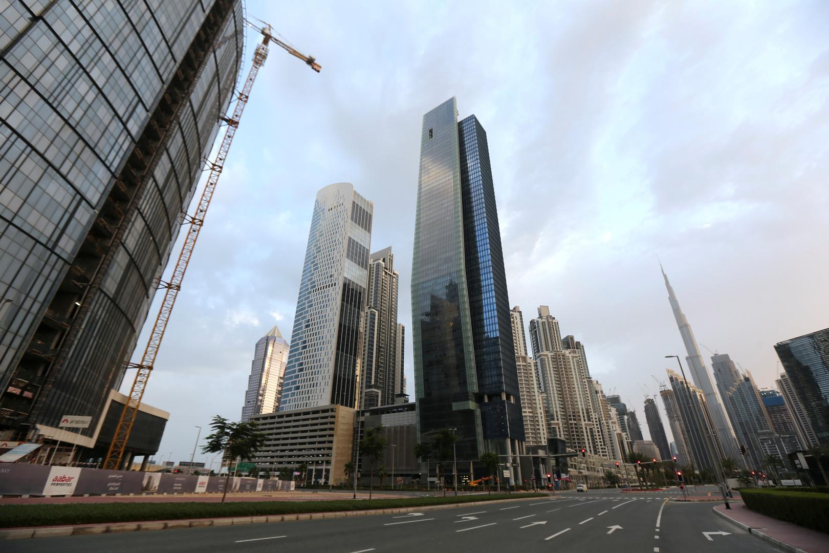 حكومة دبي تعلن فتح مراكز التسوق والشركات والمؤسسات الخاصة