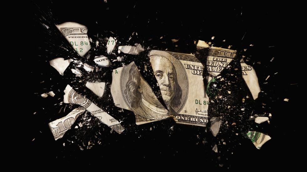 الدولار يهبط مع اتساع نطاق آمال التعافي الاقتصادي