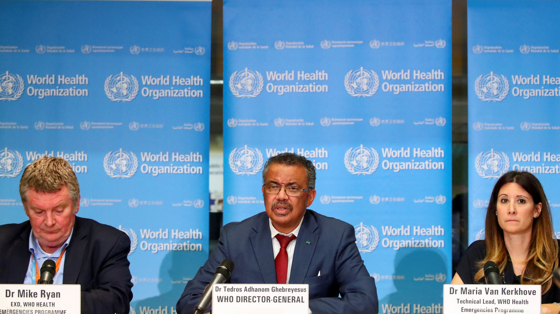 مؤتمر صحفي لمنظمة الصحة العالمية حول جائحة فيروس كورونا.
