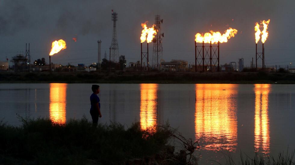 أسعار النفط تواصل الانخفاض