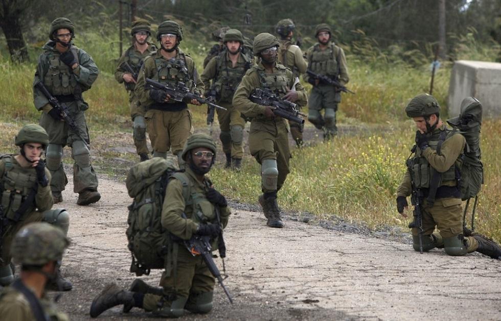 صحيفة: جنود إسرائيليون اقتحموا منزلا سوريا وقتلوا من كانوا فيه دون سبب