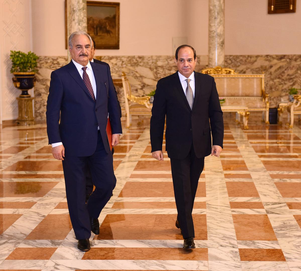 الرئيس المصري عبد الفتاح السيسي وقائد