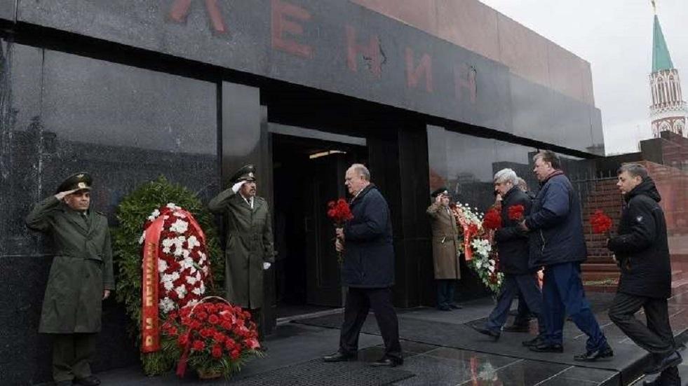 شيوعيو روسيا يطالبون بعدم تغطية ضريح لينين خلال العرض العسكري
