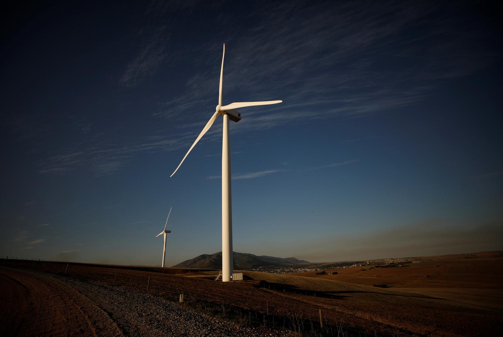 شركة إماراتية ستشيد وتشغل مزرعة صخمة للطاقة المتجددة في أوزبكستان
