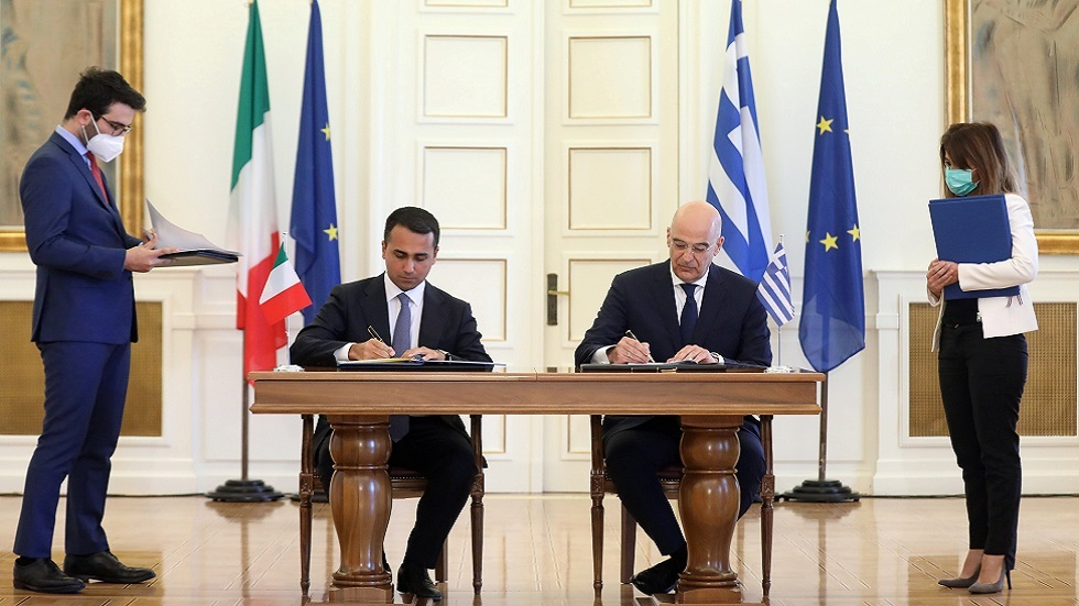 اليونان وإيطاليا توقعان اتفاقا حول الحدود البحرية