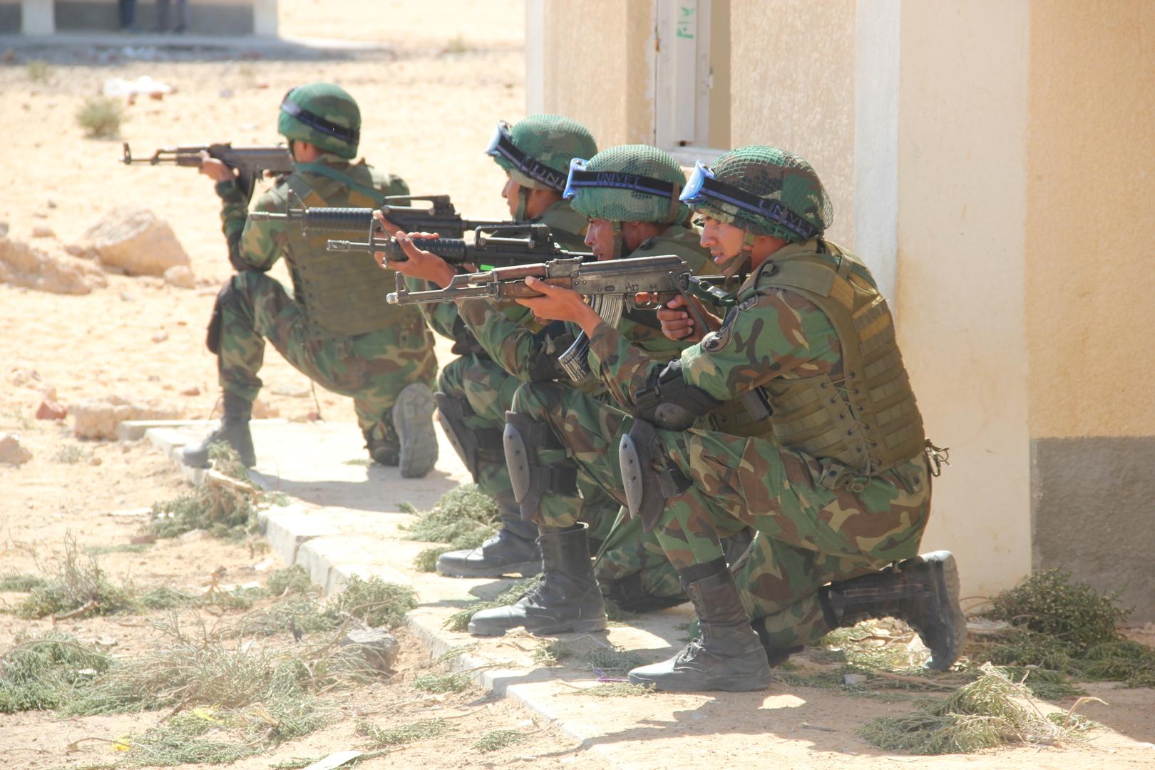 رئيس أركان حرب الجيش المصري يتفقد جاهزية قوات المنطقة الغربية العسكرية قرب ليبيا