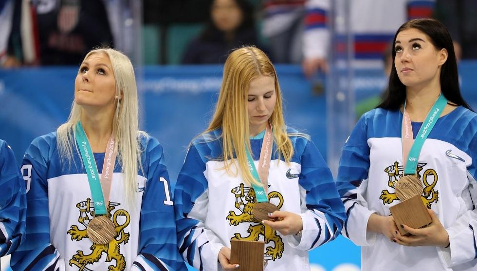 لاعبة منتخب فنلندا للهوكي بالـ