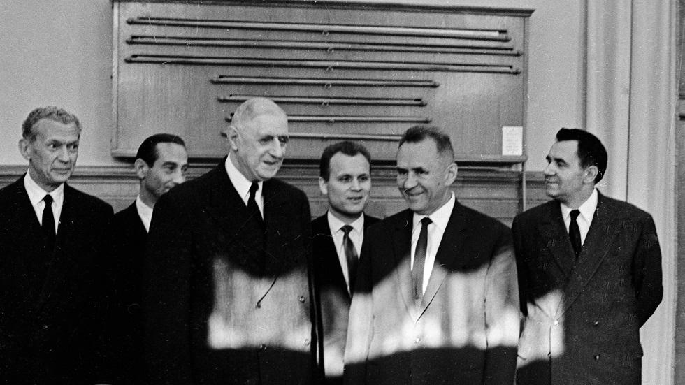 الرئيس الفرنسي/ شارل ديغول أثناء زيارته الاتحاد السوفيتي في يونيو 1966 وبصحبته رئيس مجلس الوزراء/ أليكسي كوسيغين