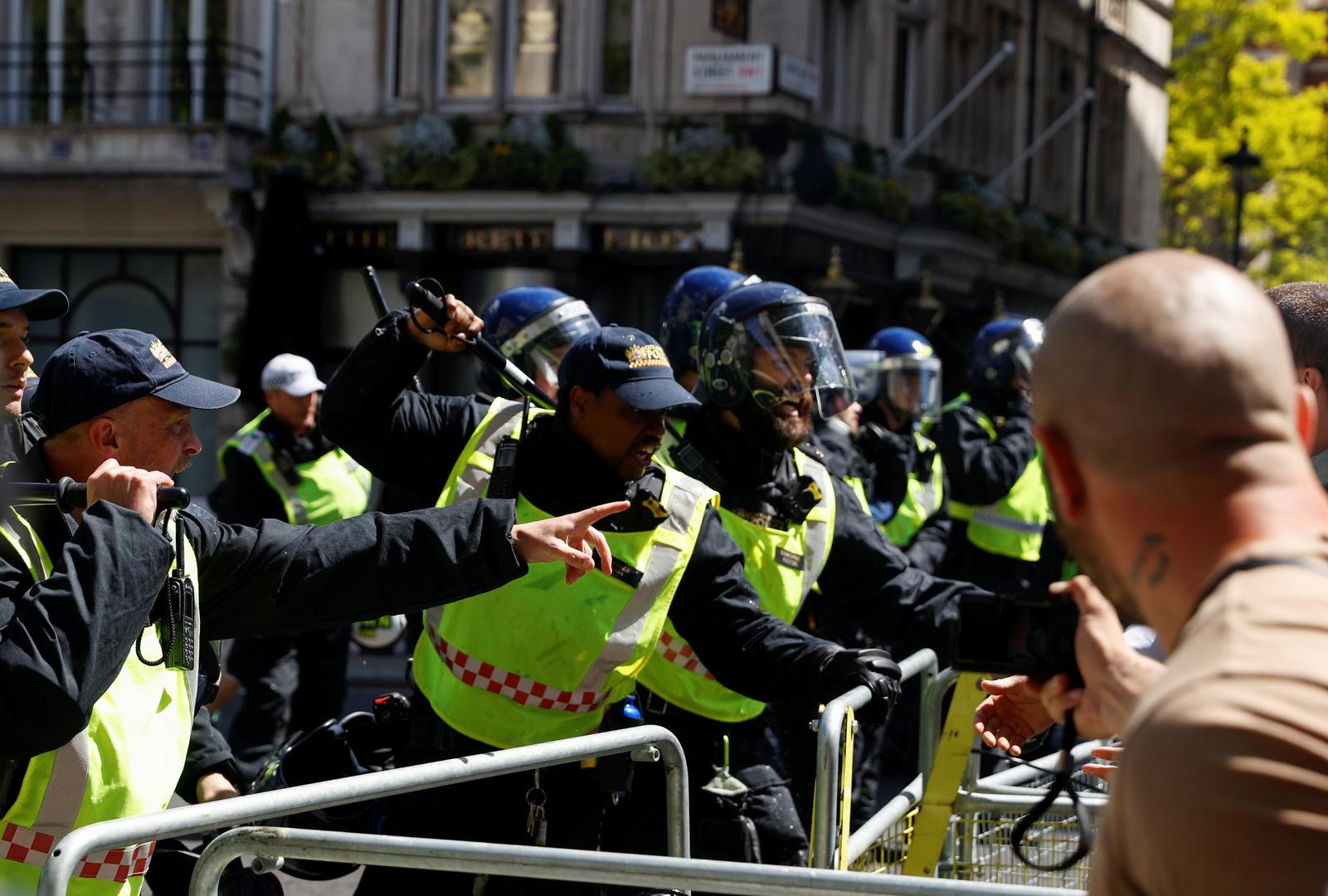 فيديو.. اشتباكات بين الشرطة ومتظاهرين يمينيين وسط لندن