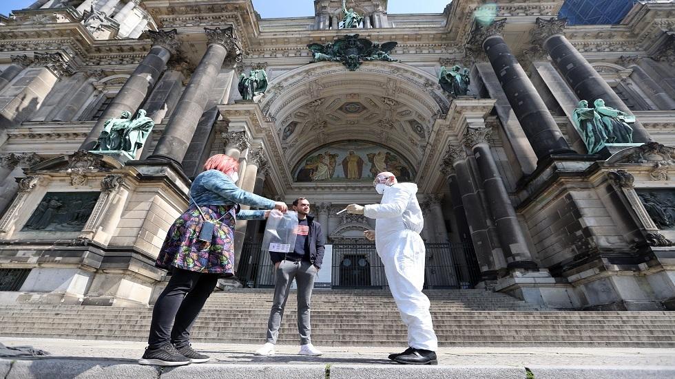 ألمانيا... تراجع ملحوظ في الإصابات اليومية بفيروس كورونا