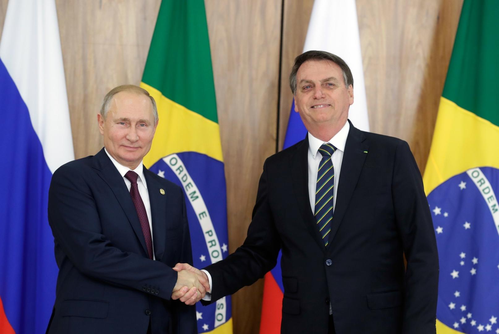 الرئيس البرازيلي، جايير بولسونارو، والرئيس الروسي، فلاديمير بوتين.
