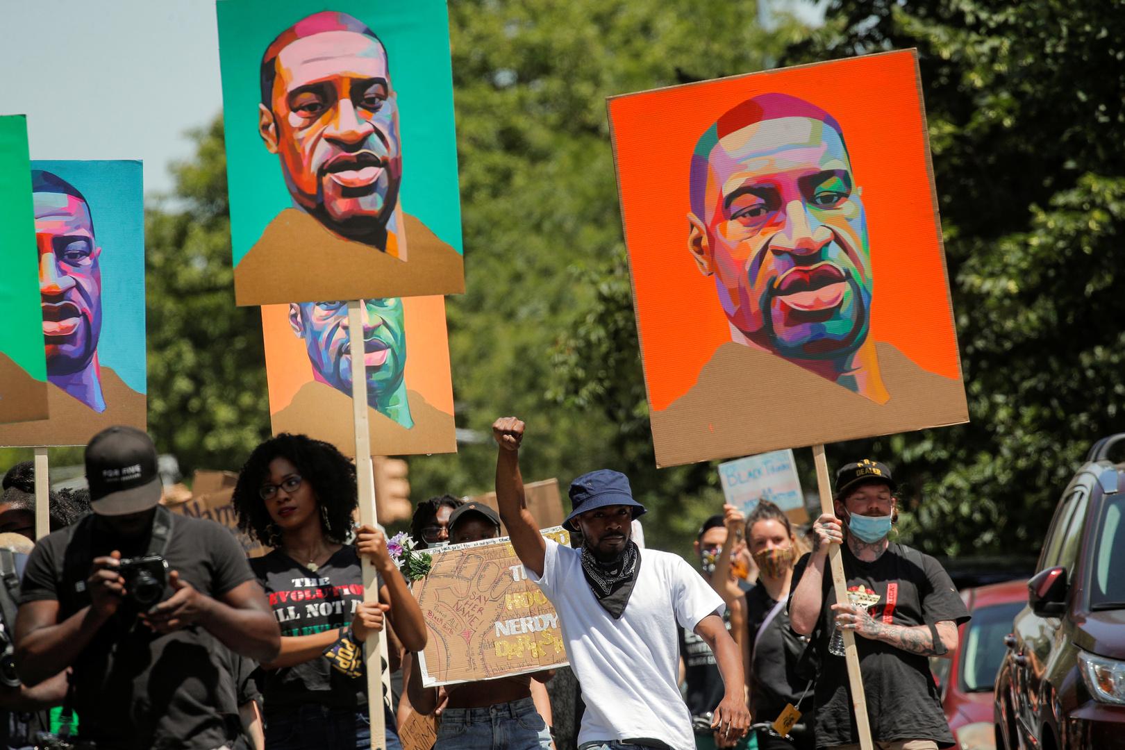 المبعوث الأمريكي في جنيف يرد على المطالبة بالتحقيق في العنصرية ببلاده
