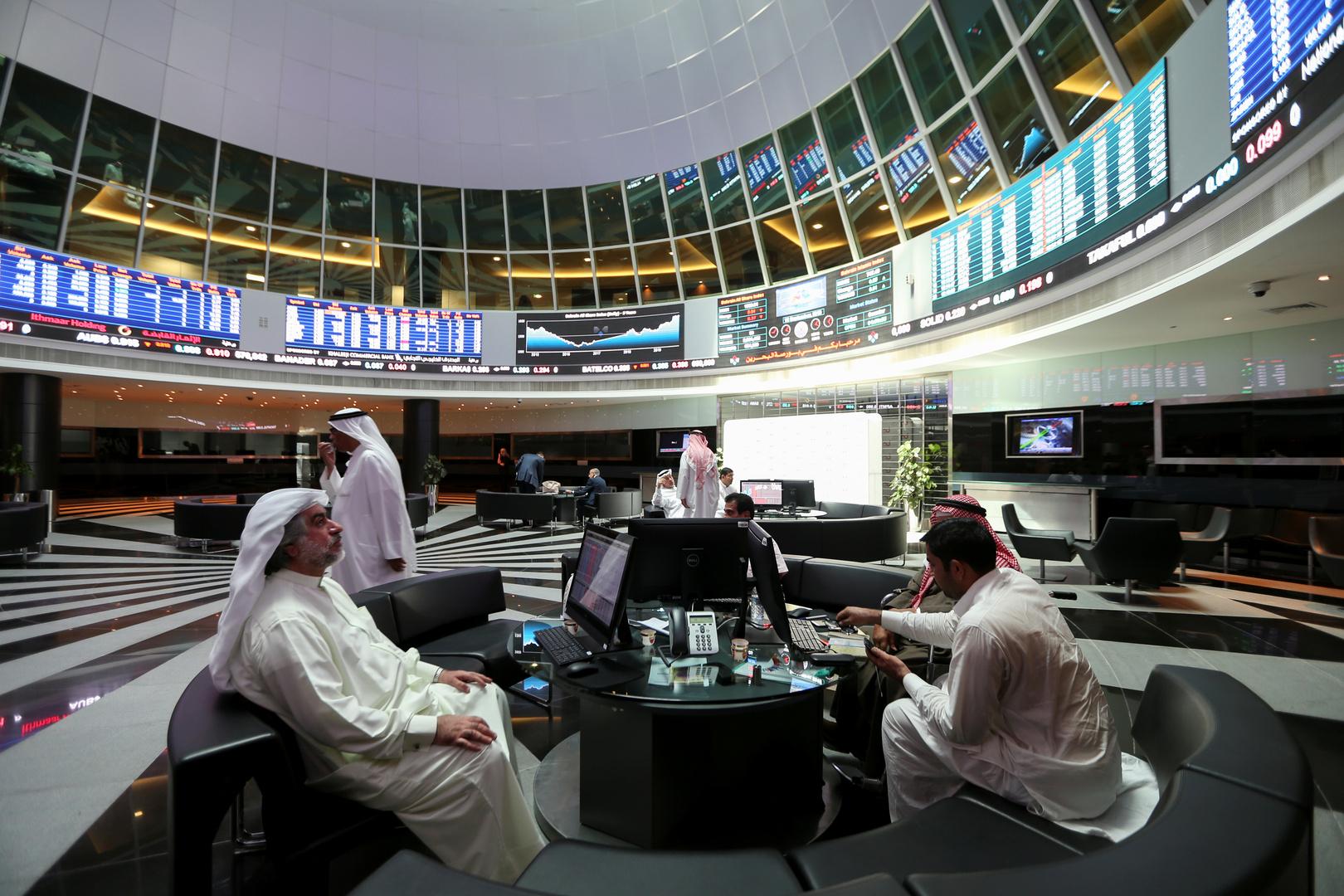 تغير طفيف في أغلب أسواق الخليج وهبوط الأسهم القيادية ببورصة مصر