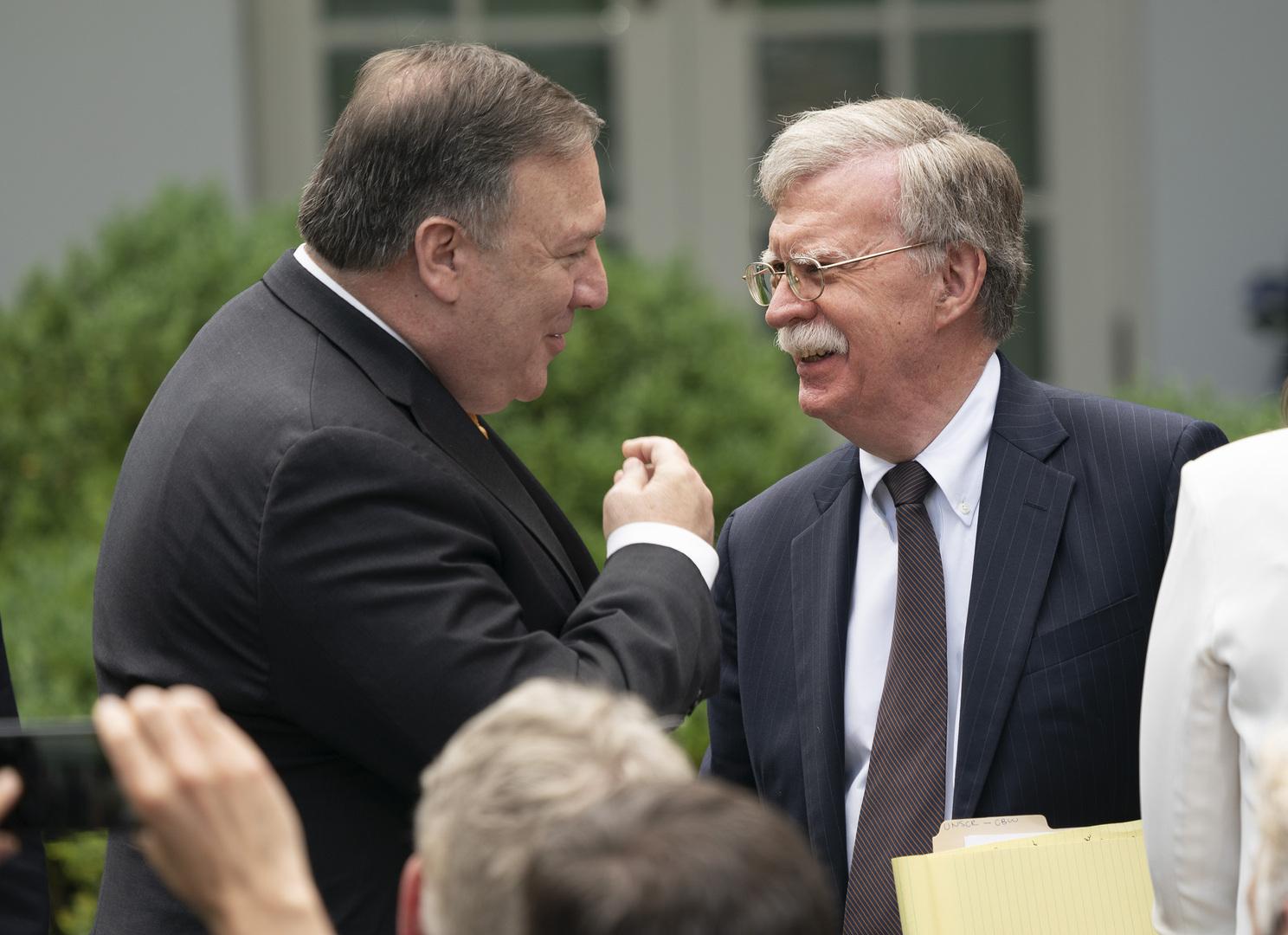 مستشار الأمن القومي الأمريكي السابق جون بولتون مع وزير الخارجية مايك بومبيو