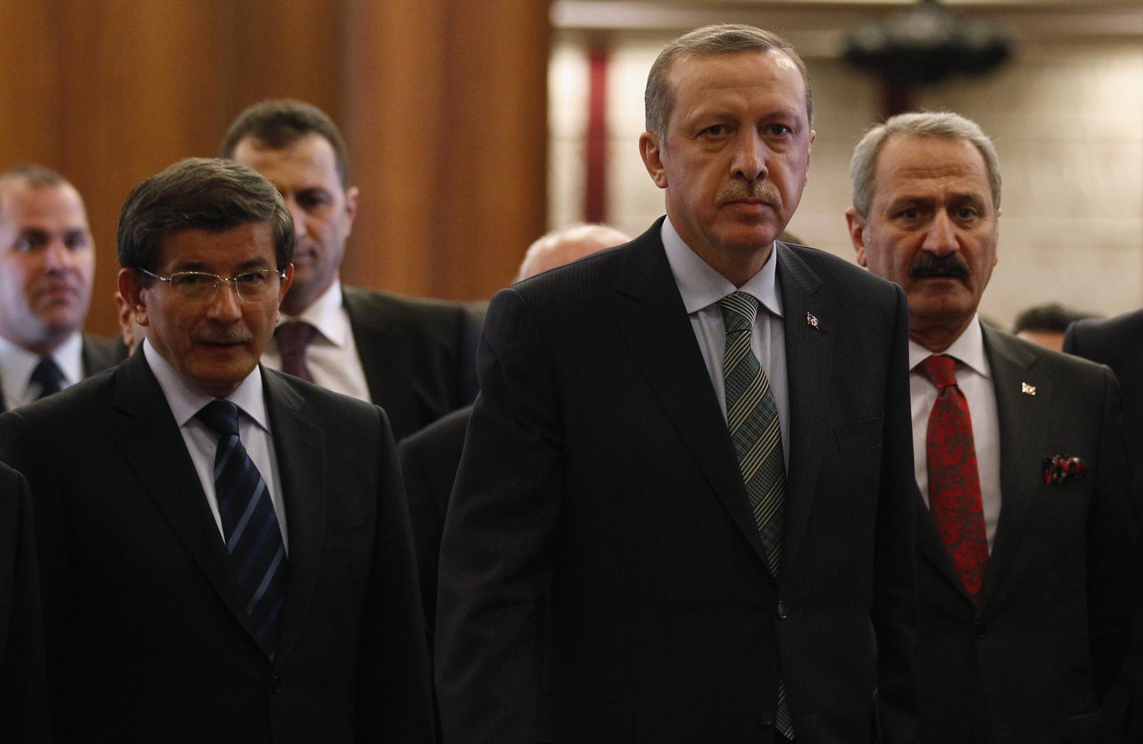 أحمد داود أوغلو يكشف أسباب القطيعة مع أردوغان