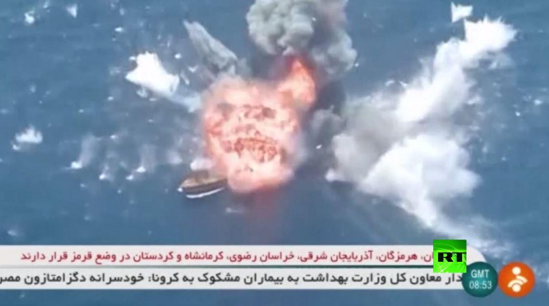 بالفيديو.. إيران تختبر صواريخ كروز في بحر عمان