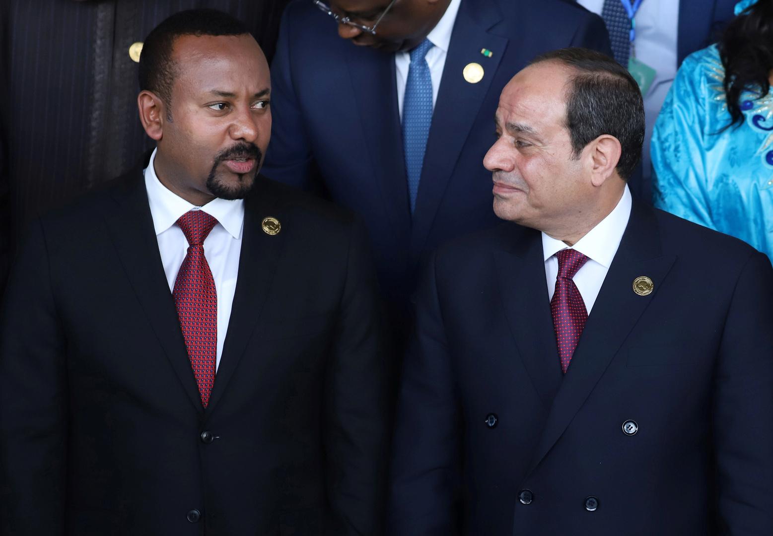 مصر.. تحذيرات من انهيار