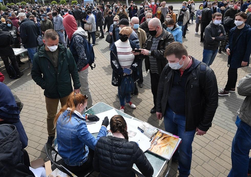 اعتقال 80 شخصا في مينسك بعد اعتصامات انتخابية