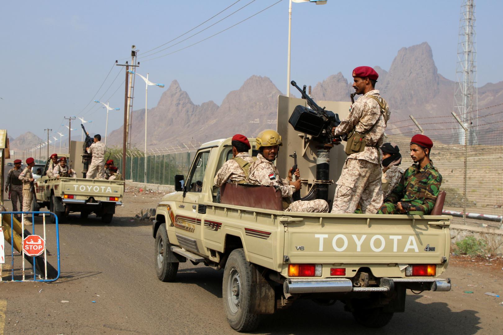 قوات المجلس الانتقالي في عدن تعلن السيطرة على آخر موقع للقوات الحكومية بجزيرة سقطرى