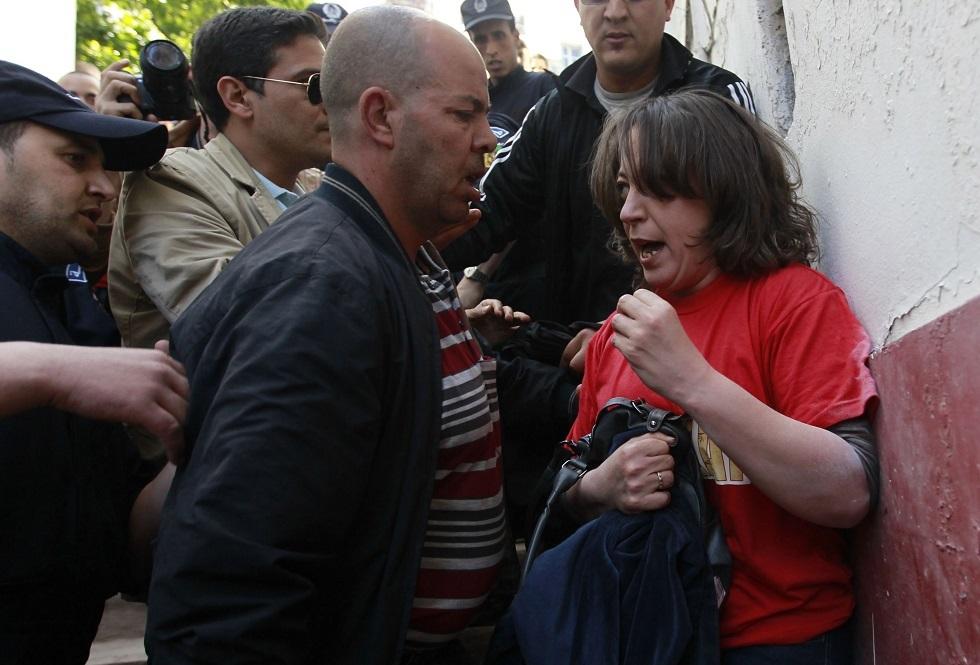 الناشطة الجزائرية أميرة بوراوي