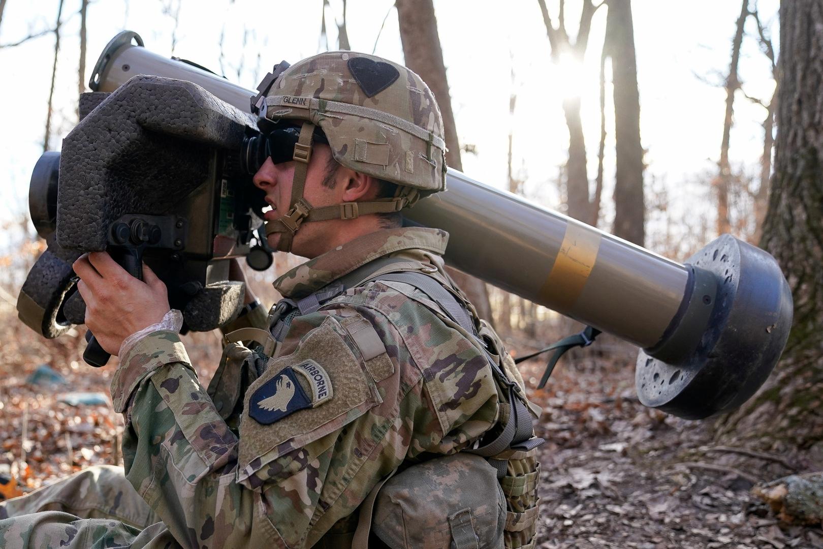 الولايات المتحدة بصدد تزويد أوكرانيا بصواريخ مضادة للدبابات