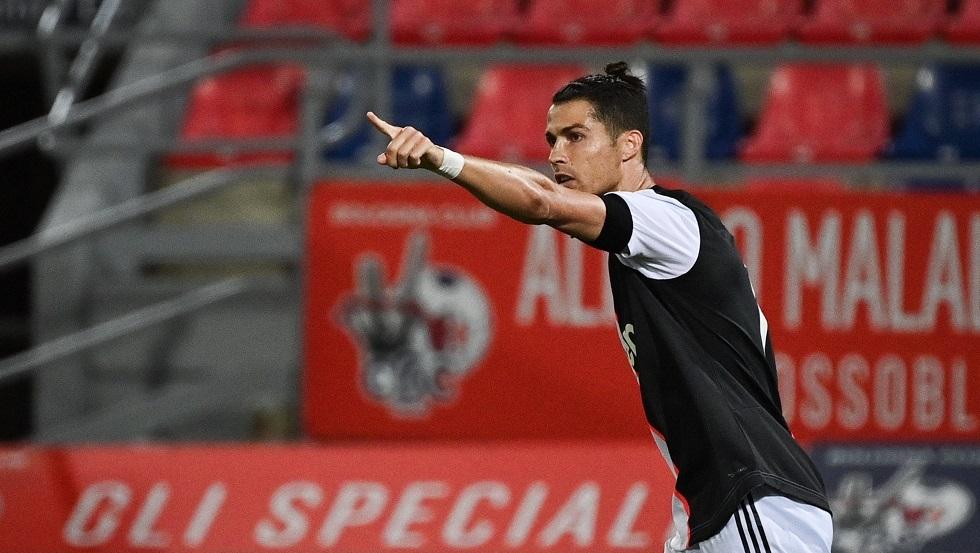 شاهد.. رونالدو يستعيد توازنه بعد إهداره ضربة جزاء في كأس إيطاليا