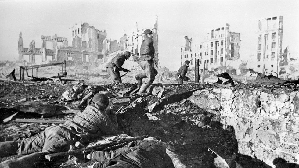 جانب من معركة ستالينغراد الضارية التي غيرت من مسار الحرب العالمية الثانية