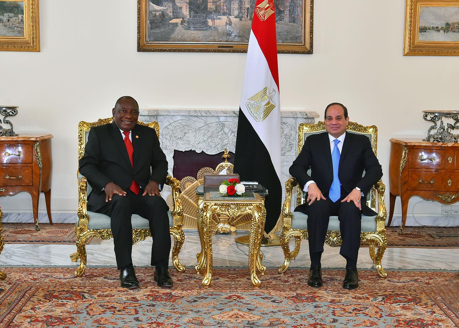 الرئيس المصري، عبد الفتاح السيسي، ونظيره الجنوبي الإفريقي، سيريل رامافوزا