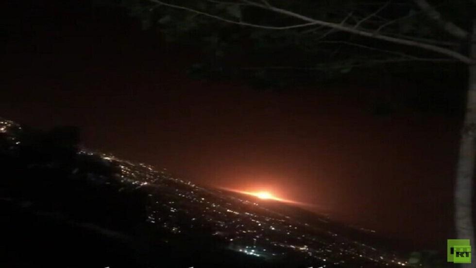 شاهد بالفيديو اللحظات الأولى للانفجار في العاصمة الإيرانية طهران