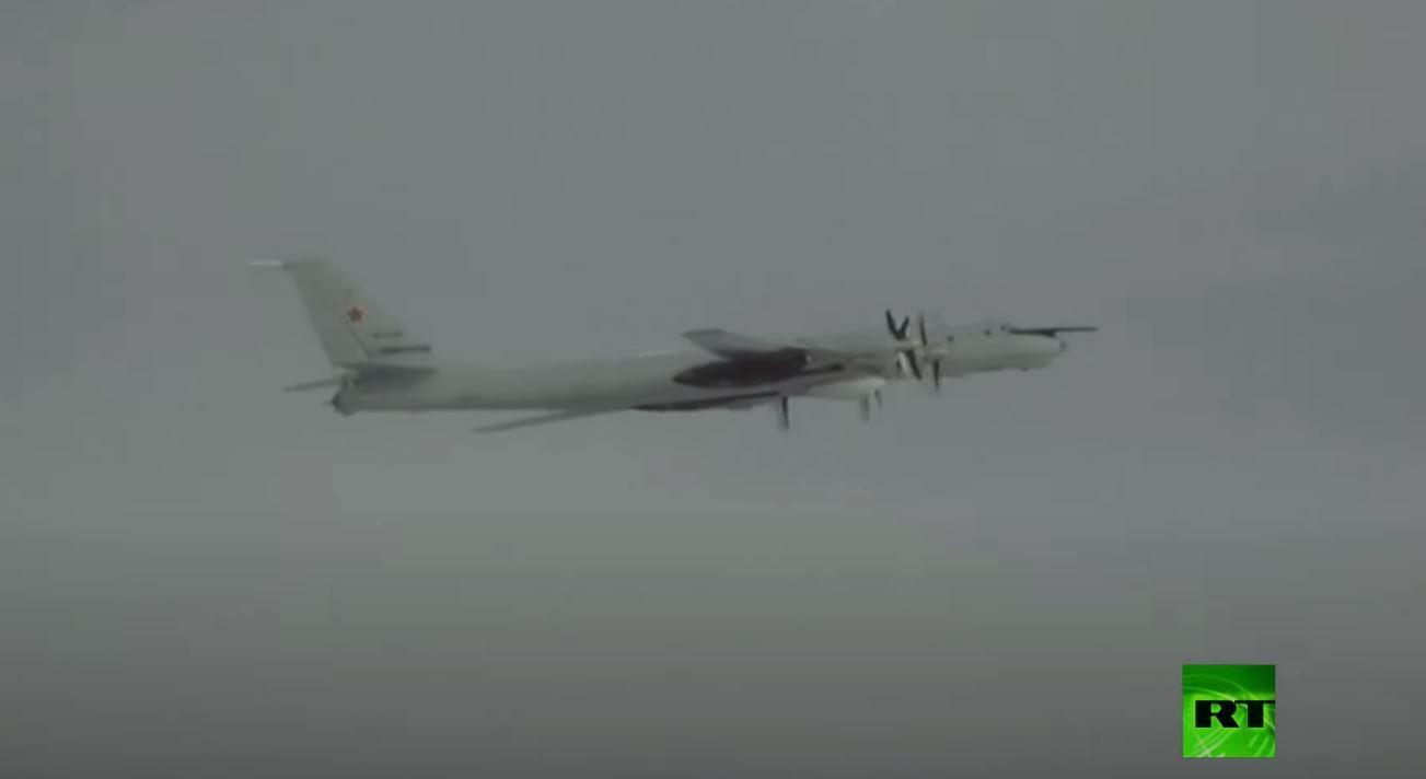 شاهد طائرات عسكرية روسية فوق الهادئ بعدسة أمريكية