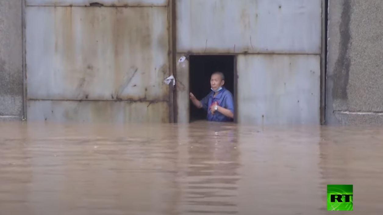 الصين..  خسائر فادحة جراء الفيضانات وإجلاء آلاف السكان